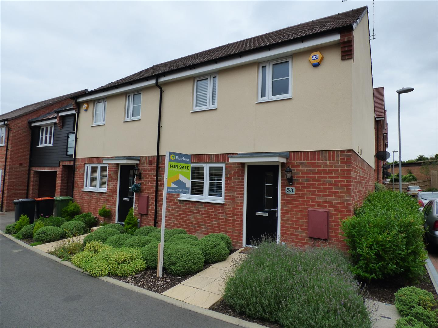 3 Bedrooms Property for sale in Wolseley Drive, Dunstable